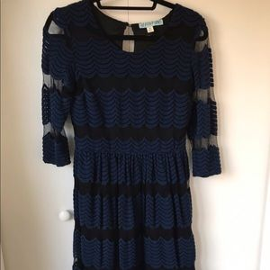 3/4 sleeve navy and black dress